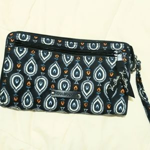 Like New Vera Bradley Wristlet Wallet